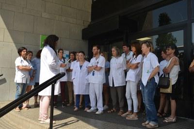Un momento de la concentración de este mediodía (foto: Ayuntamiento de Rubí - Localpres).
