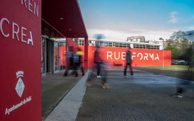 El edificio Rubí Forma está situado en la rambleta de Joan Miró, s/n (foto: Ayuntamiento de Rubí – César Font).