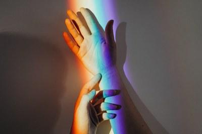 El debate coincide con la próxima conmemoración del Día Internacional de la Visibilidad Transgénero.