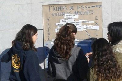Esta semana, los institutos han trabajado el tema de la violencia de género (foto: Rubí Jove).
