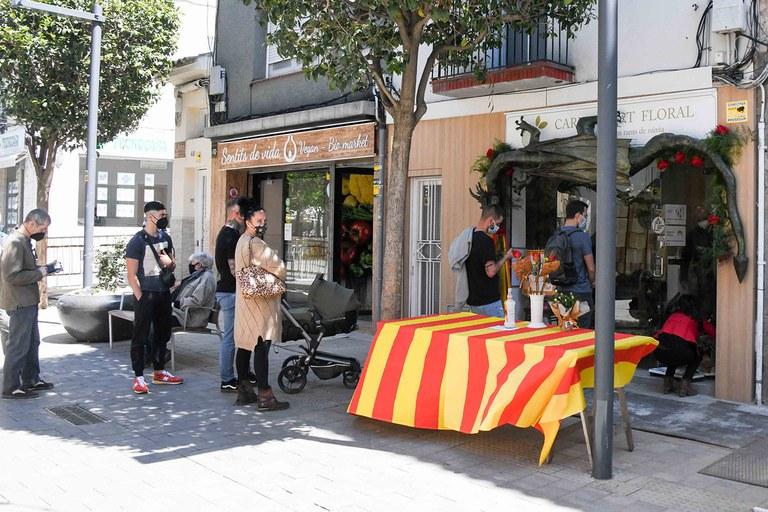 Colas en las floristerías (foto: Ayuntamiento de Rubí - Localpres)