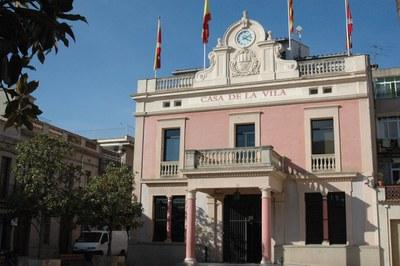 El Ayuntamiento es uno de los edificios que el sábado, durante una hora, quedarán a oscuras como símbolo de la lucha contra el cambio climático.