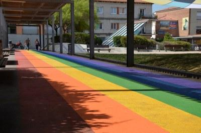 Con esta nueva iniciativa, la plaza Salvador Allende se afianza como un espacio simbólico a favor de la diversidad.