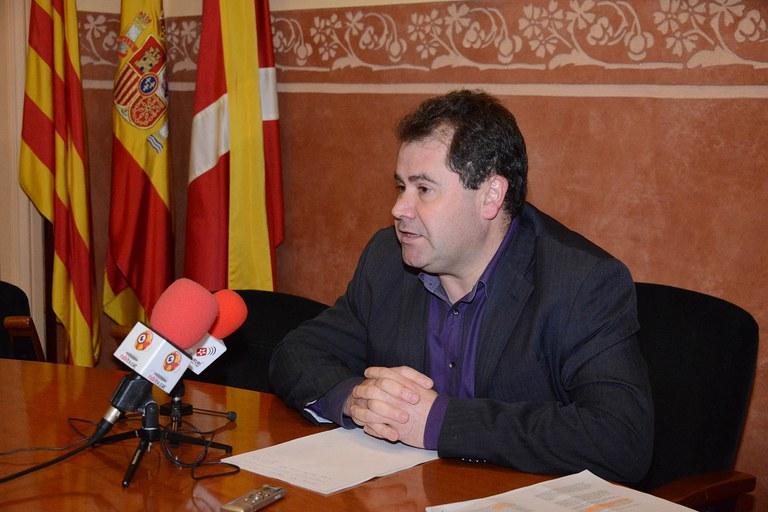 Manuel Velasco, explicando los motivos por los que se ha trasladado esta cuestión a Europa (foto: Localpres)