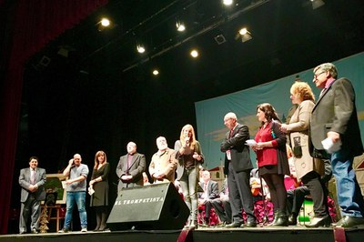 El festival 'Nochebuena para todos' se ha celebrado este sábado en el Teatro Municipal La Sala .