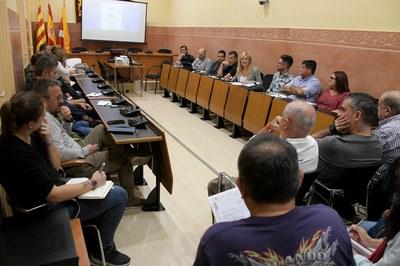 La constitución de la Mesa de urbanizaciones de Rubí ha tenido lugar en el Ayuntamiento (foto: Ayuntamiento de Rubí - Localpres).