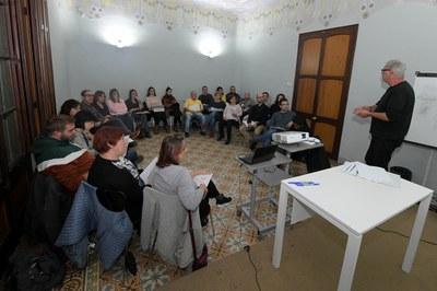 La reunión ha tenido lugar en el Ateneu Municipal (foto: Ayuntamiento de Rubí - Localpres).