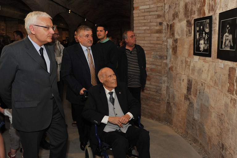 Marroyo ha visitado la exposición acompañado del consejero (foto: Localpres)