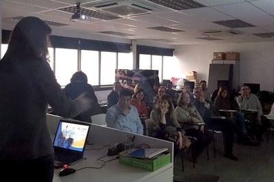 La sesión ha contado con la participación de técnicos municipales y los concejales Marta García y Juan López.