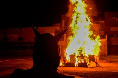 La hoguera en el Escardívol (foto: Localpres).