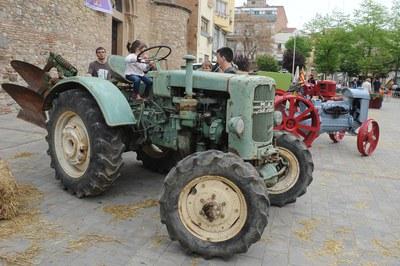 Una de las muchas actividades organizadas el sábado será una muestra de maquinaria agraria en la plaza Doctor Guardiet (foto: Localpres).