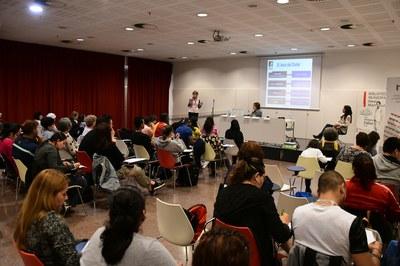 El Dictado Solidario ha tenido lugar en la Biblioteca Municipal Mestre Martí Tauler (foto: Localpres).