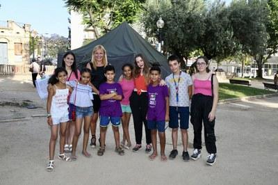 La alcaldesa y la concejala de Ciudadanía, con los niños saharauis y los representantes del Consejo de los Niños y Adolescentes en el año 2019 (foto: Ayuntamiento - Localpres).