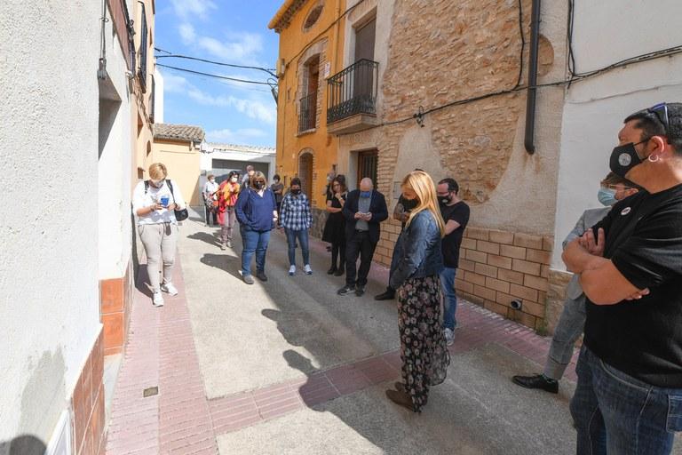 La casa donde vivió Neus Català ha sido uno de los lugares que ha visitado la delegación rubinense (foto: Ayuntamiento de Rubí - Localpres)