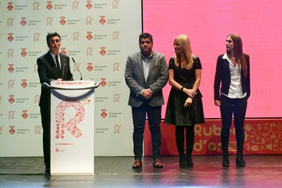 Xantal Giné del RC Polo se suma a la entrega de reconocimientos.