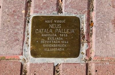 Stolpersteine en recuerdo de Neus Català Pallejà